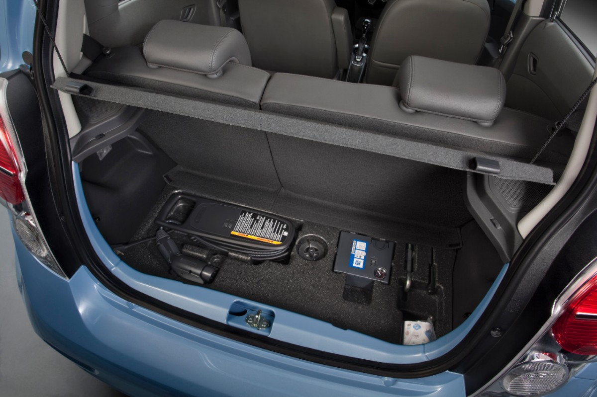 Chevrolet announces attractive pricing for new 2014 Spark EV ...