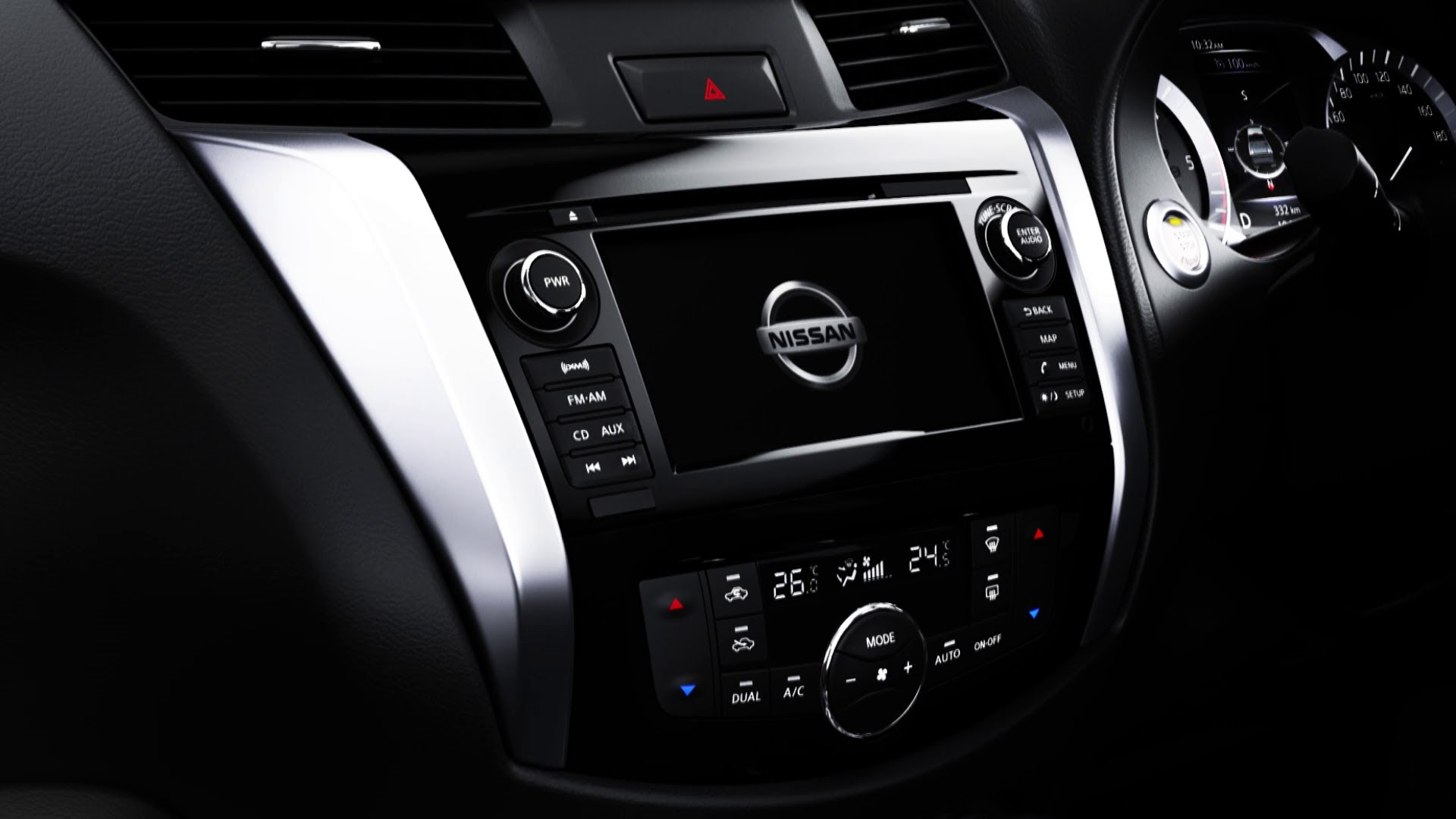 2015 Nissan Navara interior teaser CarPower360°