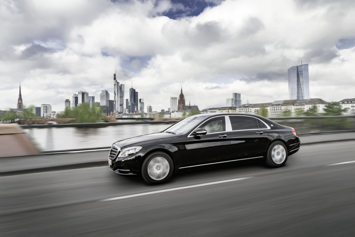 http://s6886.pcdn.co/wp-content/uploads/2016/02/2016-mercedes-maybach-s600-guard-1-1200x800.jpg
